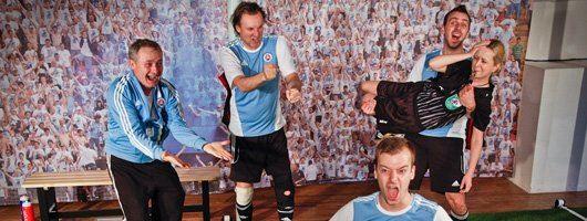 MALÁ DOMOV- malá komédia o veľkom futbale  (Divadlo v podpalubí) - Logo
